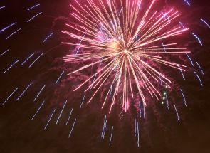 New_Years_Eve_fireworks_Oulu_20121231_03